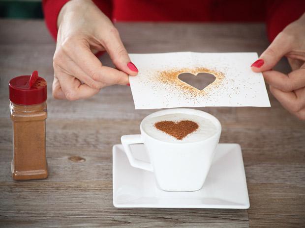 café-da-manhã-dia-dos-namorados-romântico-ideias-baratas